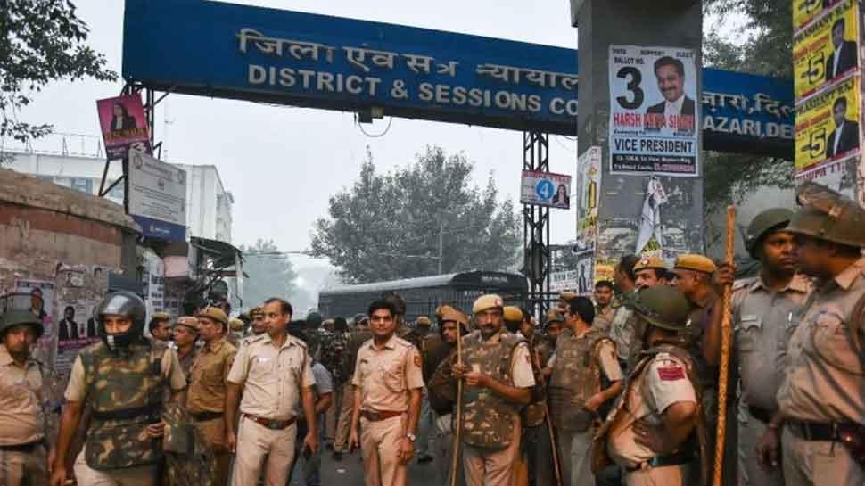 Tis Hazari court clashes: Delhi HC grants Interim protection to 2 suspended policemen