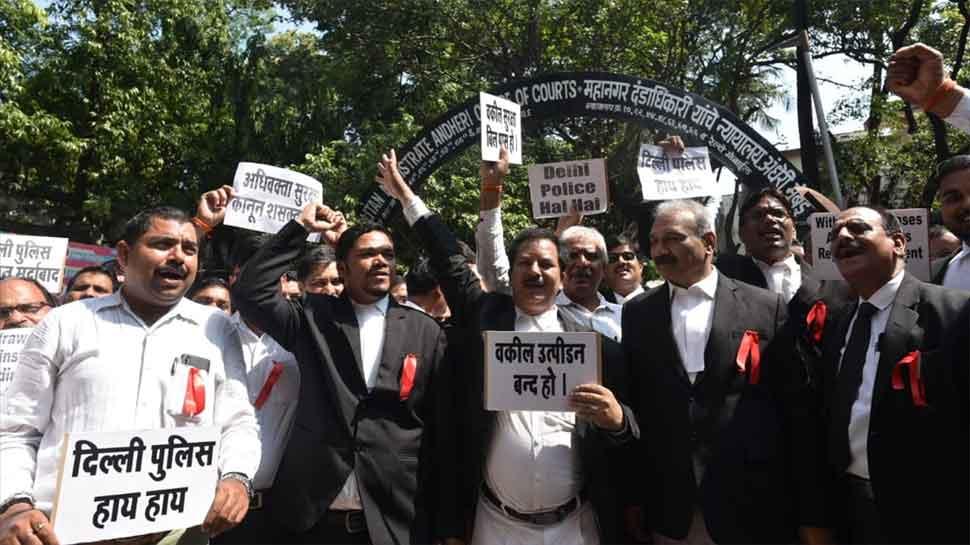 Tis Hazari clashes: Delhi lawyers call off strike till December 23
