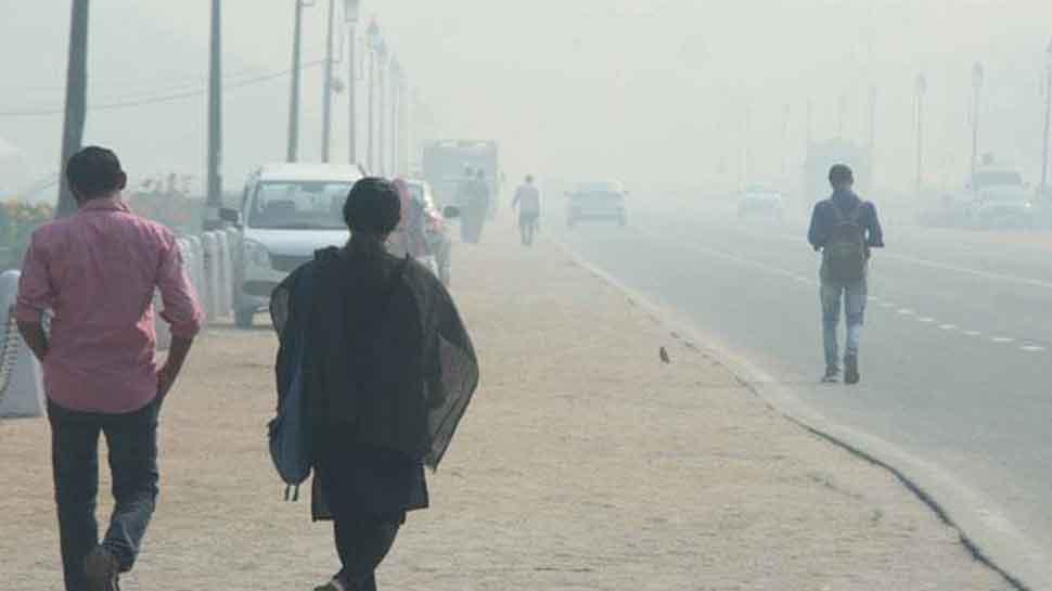 Manoj Tiwari attacks Arvind Kejriwal over spike in Delhi air pollution