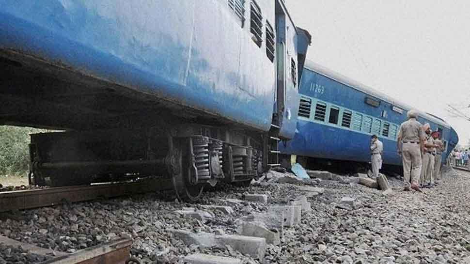 Coach of Kerala Express derails in Andhra Pradesh, none injured