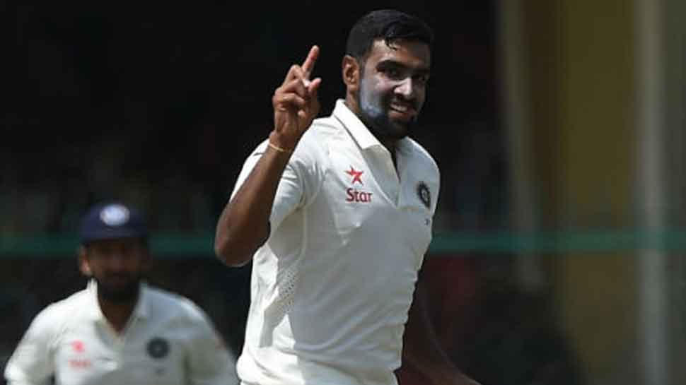 Journalist stumps Ravichandran Ashwin with his 'clean and pure' Hindi- Watch video