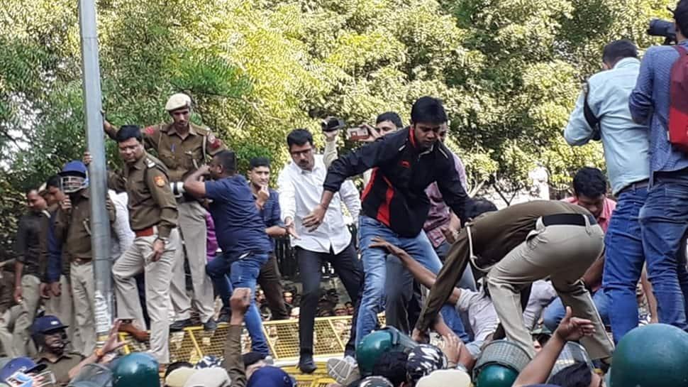 Shiv Sena slams lathi-charge on JNU students by Delhi Police, calls it 'inhuman'