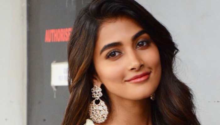 Pooja Hegde stuns fans with throwback pic of Housefull 4
