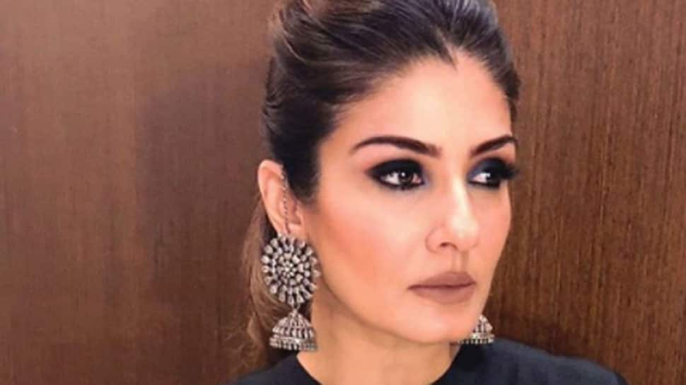 Raveena Tandon says SRK thinks she's the 'best-scented heroine'