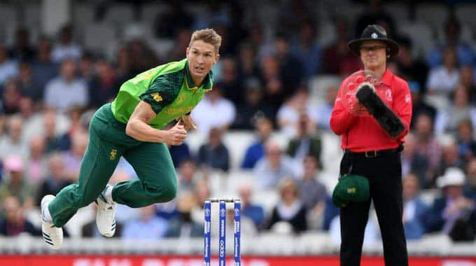 South Africa's Dwaine Pretorius fractures right hand during MSL clash