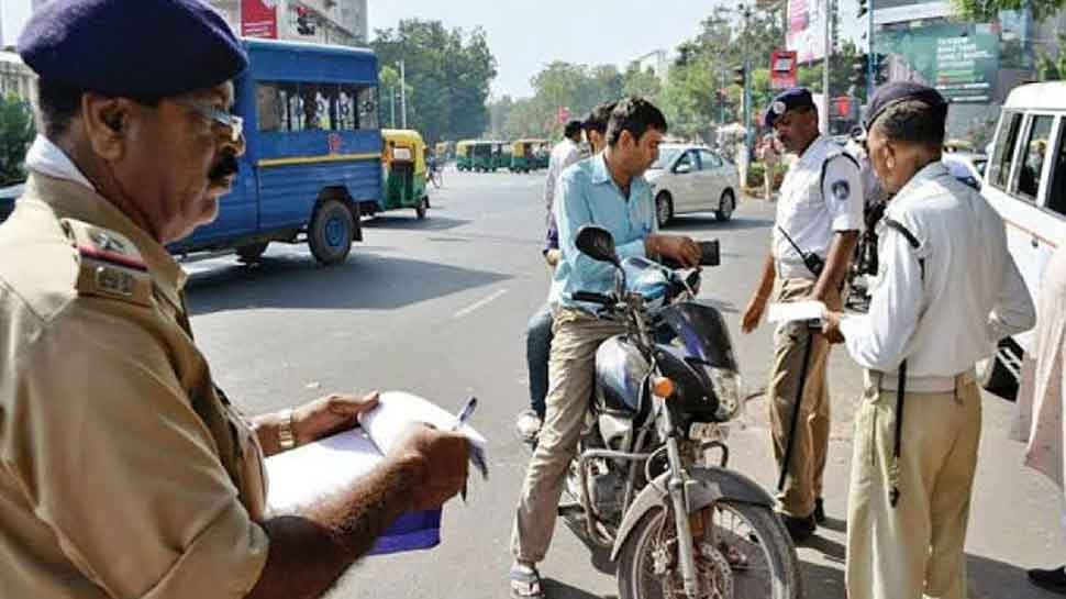 Rs 32 lakh collected in one day as fines for traffic violations in Uttar Pradesh