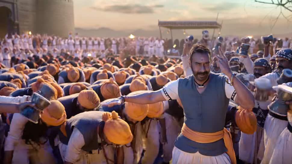 'Tanhaji' Ajay Devgn roars 'Shankara Re Shankara', Saif Ali Khan watches keenly!