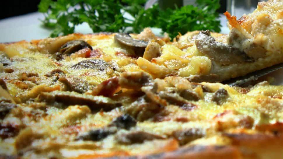 IRCTC starts 'Khushiyon Ki Delivery'; order burgers, pizzas, biryani in train now