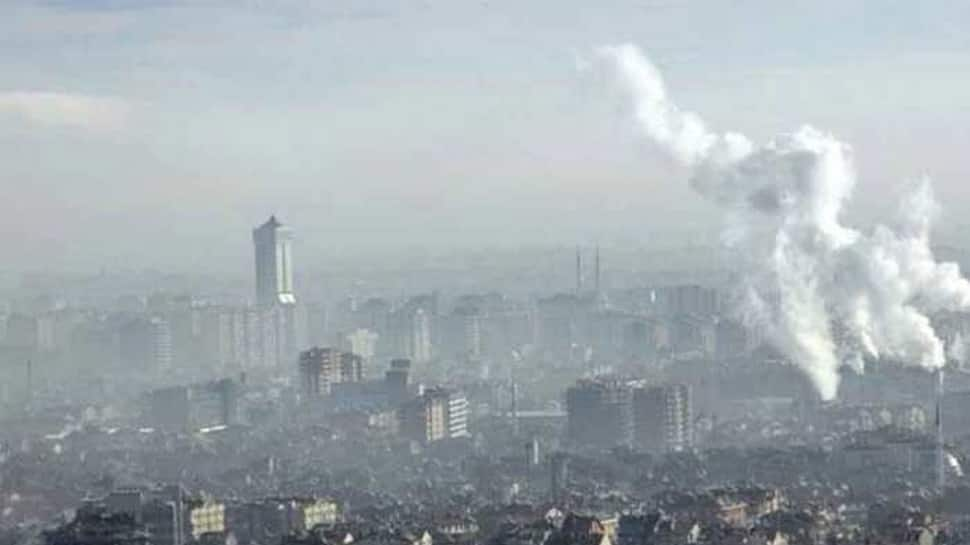 Delhi air in very poor category for third consecutive day, AQI crosses 380 mark
