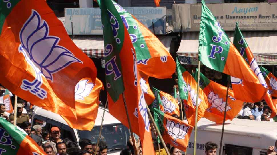 BJP workers attacked with iron rods, bottles by miscreants in Kolkata