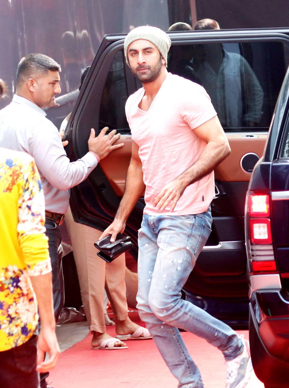 Ranbir Kapoor looks cool