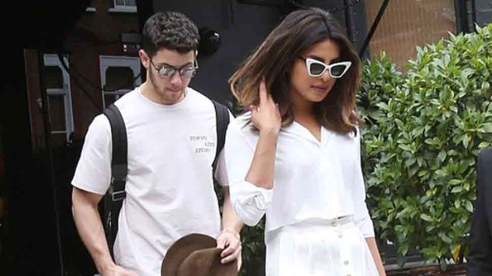 'Jijaji aa gaye' reverberates in theatre as Nick Jonas appears on screen, Priyanka Chopra shares video-Watch