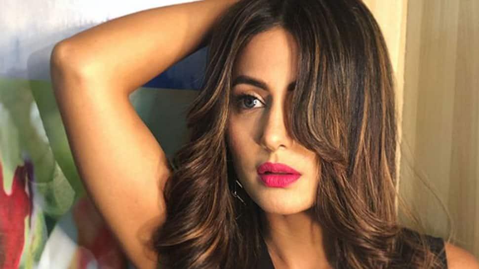 Non-smoker Hina Khan found smoking tough for role