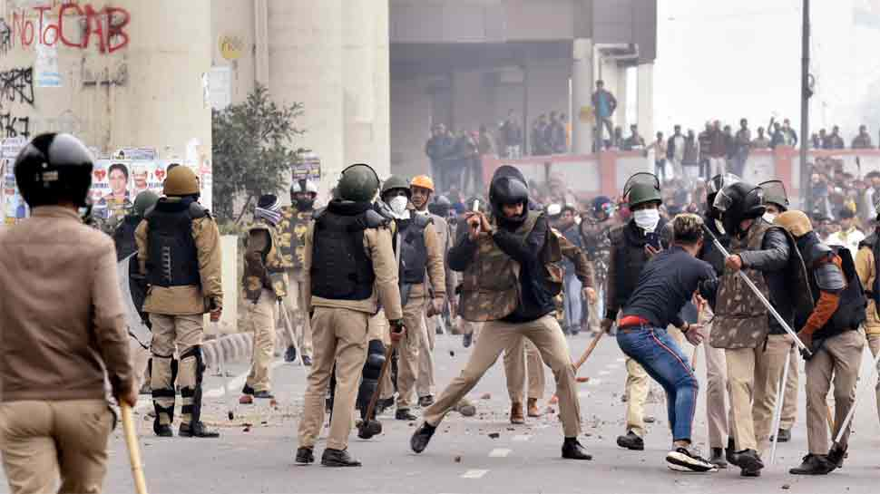 Anti-Citizenship Act protests: 2 FIRs registered in Jamia, Mathura Road violence; several arrested