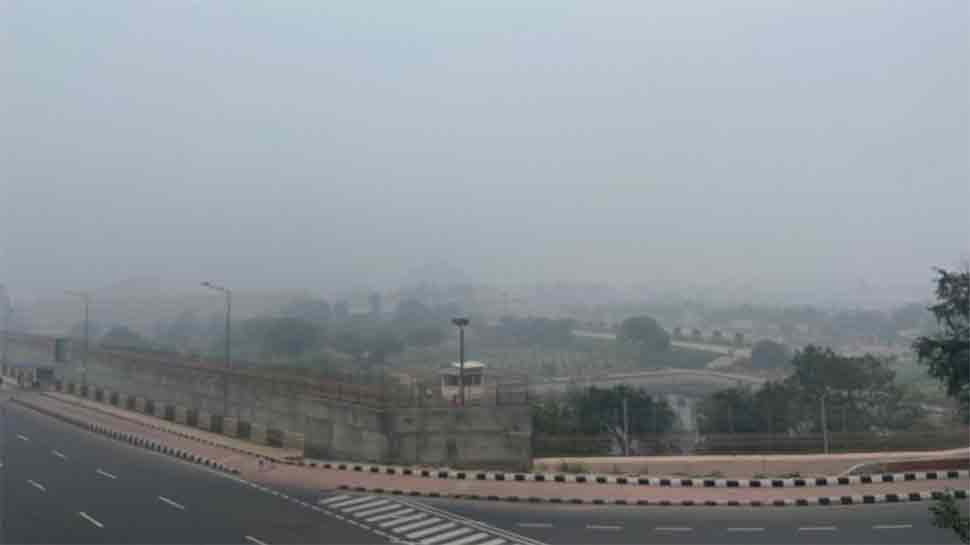 Bad weather hits Delhi airport; flight operations are affected
