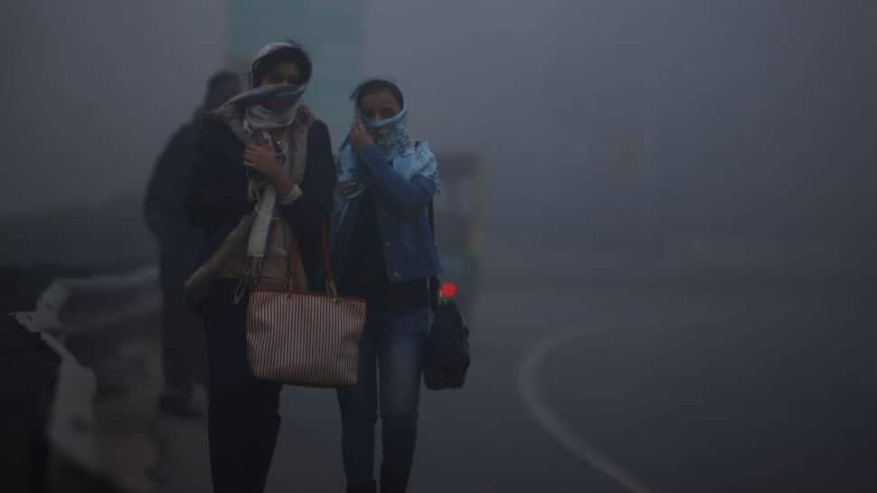 Dense fog shrouds Delhi-NCR; 17 trains running late, flight services disrupted