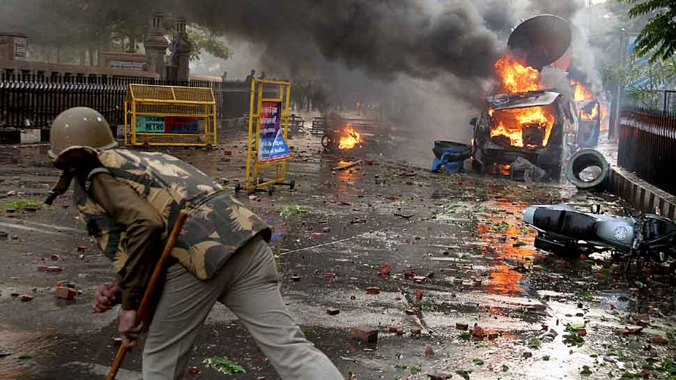 Anti-Citizenship Act protests: Islamic outfits, Kashmiri stone pelters behind violence, mayhem, say sources