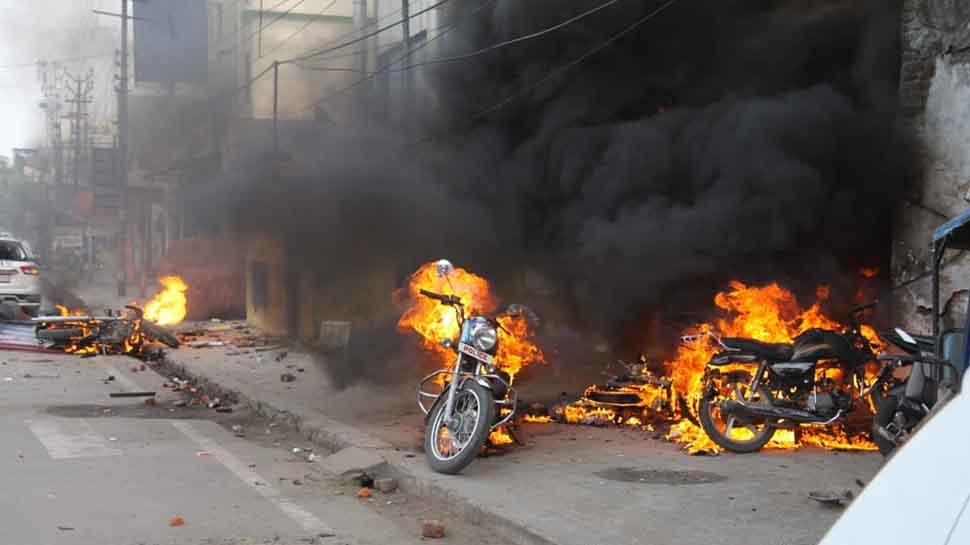 Uttar Pradesh govt to seize property of 373 protesters for arson during anti-Citizenship Act protests; 213 FIRs registered till now