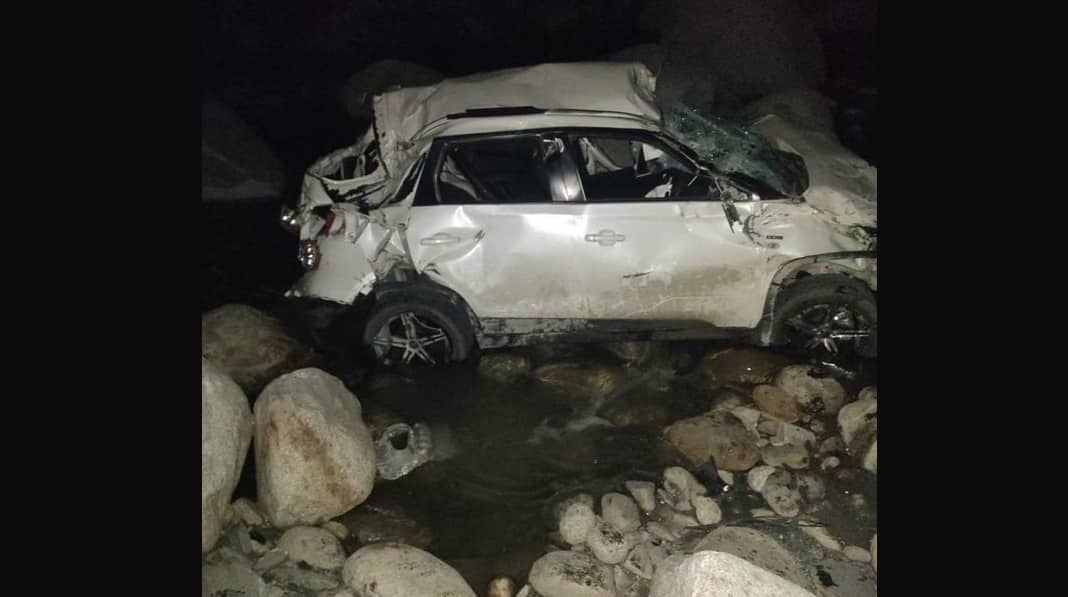 Himachal Pradesh: Four injured, 1 missing after car rolls down into deep gorge in Manali