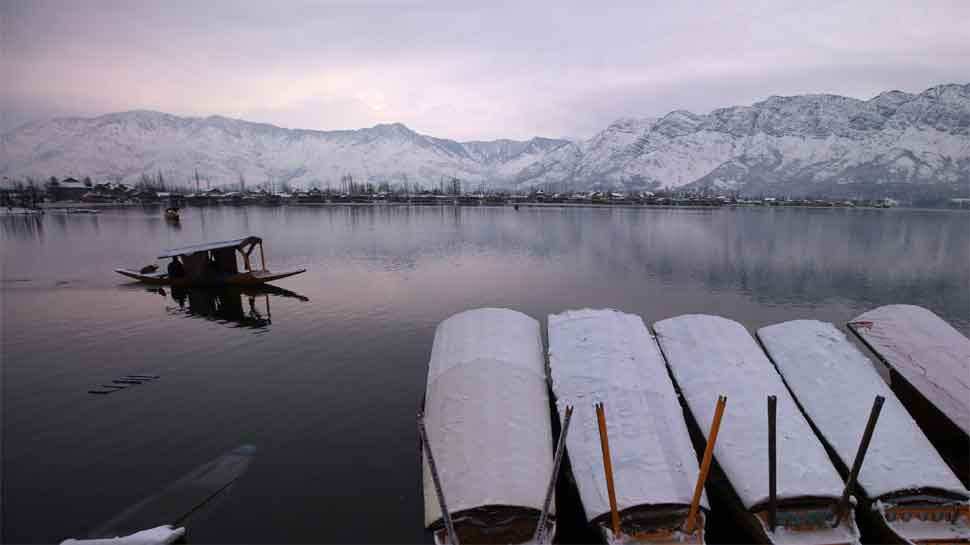 North India reels under extreme cold; schools, colleges shut in UP, flights delayed due to dense fog