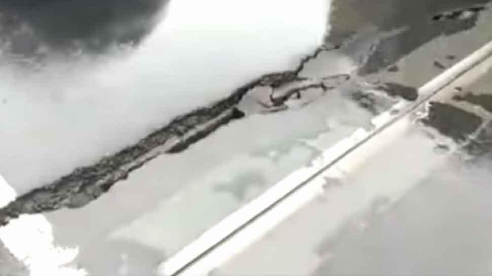 Uttar Pradesh: Cracks develop on bridge over Karmanasha river, traffic stopped