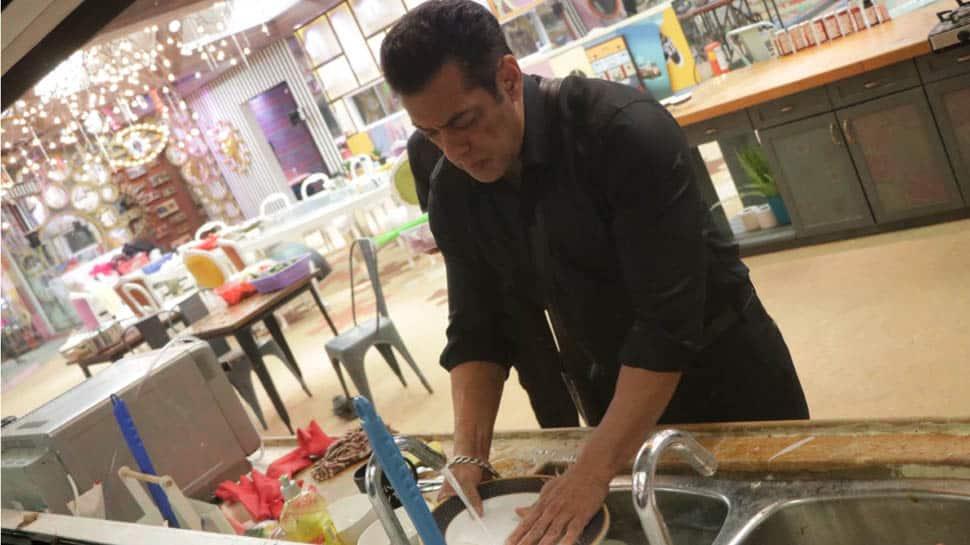 Bigg Boss 13 Weekend Ka Vaar written updates: Salman Khan cleans up housemates' mess to teach them a lesson