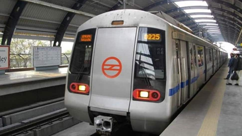 DMRC imposes restriction on exit from Rajiv Chowk metro station on December 31