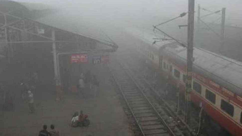 Delhi: 34 trains delayed due to low visibility in Northern Railway region