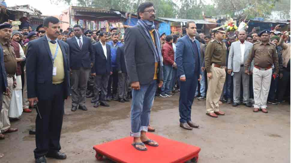 Jharkhand CM Hemant Soren takes guard of honor in slippers; here's why