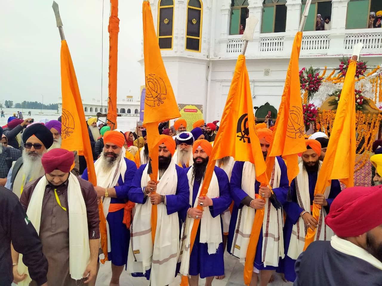 Sikh devotees at Gurdwara Darbar Sahib Kartarpur