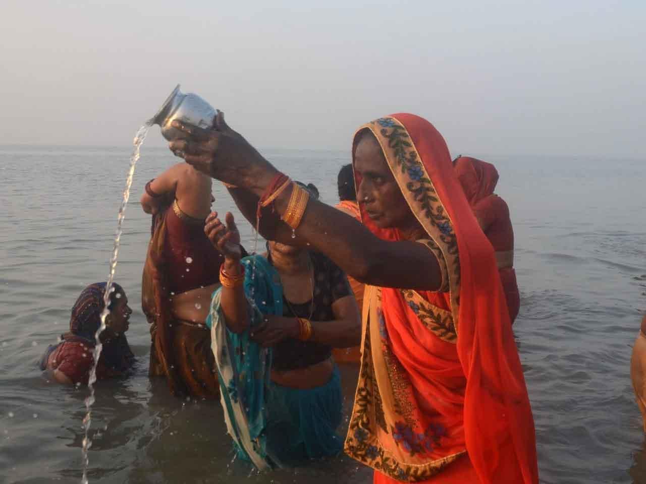 Woman offers prayer