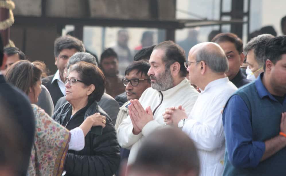 Rajiv Kapoor at the funeral