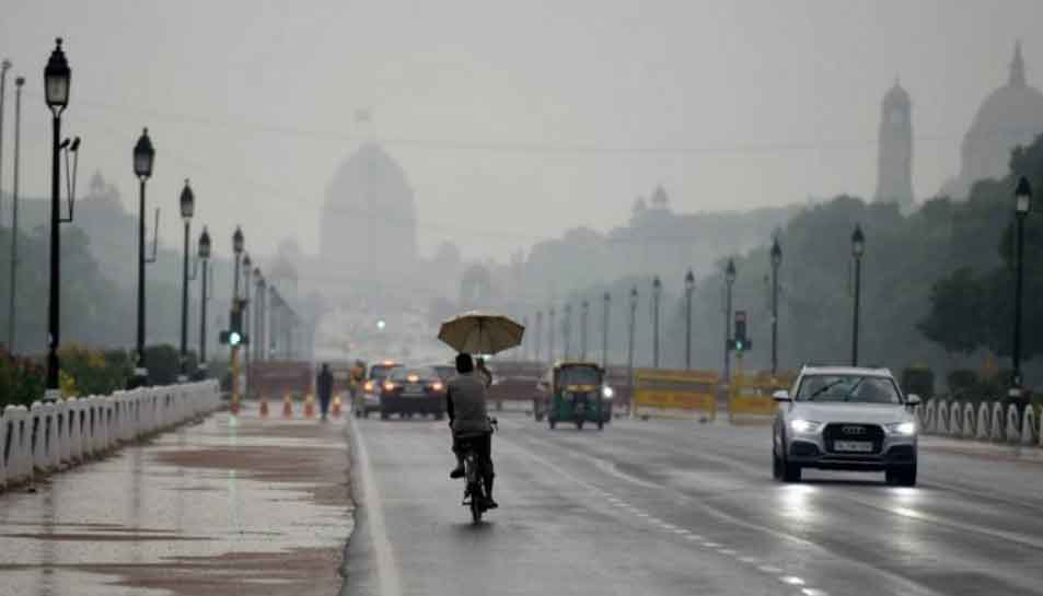 Temperature dips due to overnight rainfall in Delhi, cold wave conditions to prevail in north India