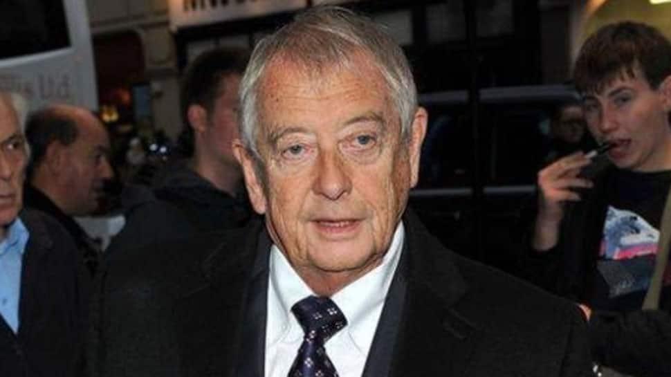 'Yes Minister' actor Derek Fowlds dies at 82