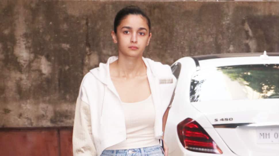 No, Alia Bhatt was not injured on 'Gangubai Kathiawadi' set; it's an old injury, she clarifies