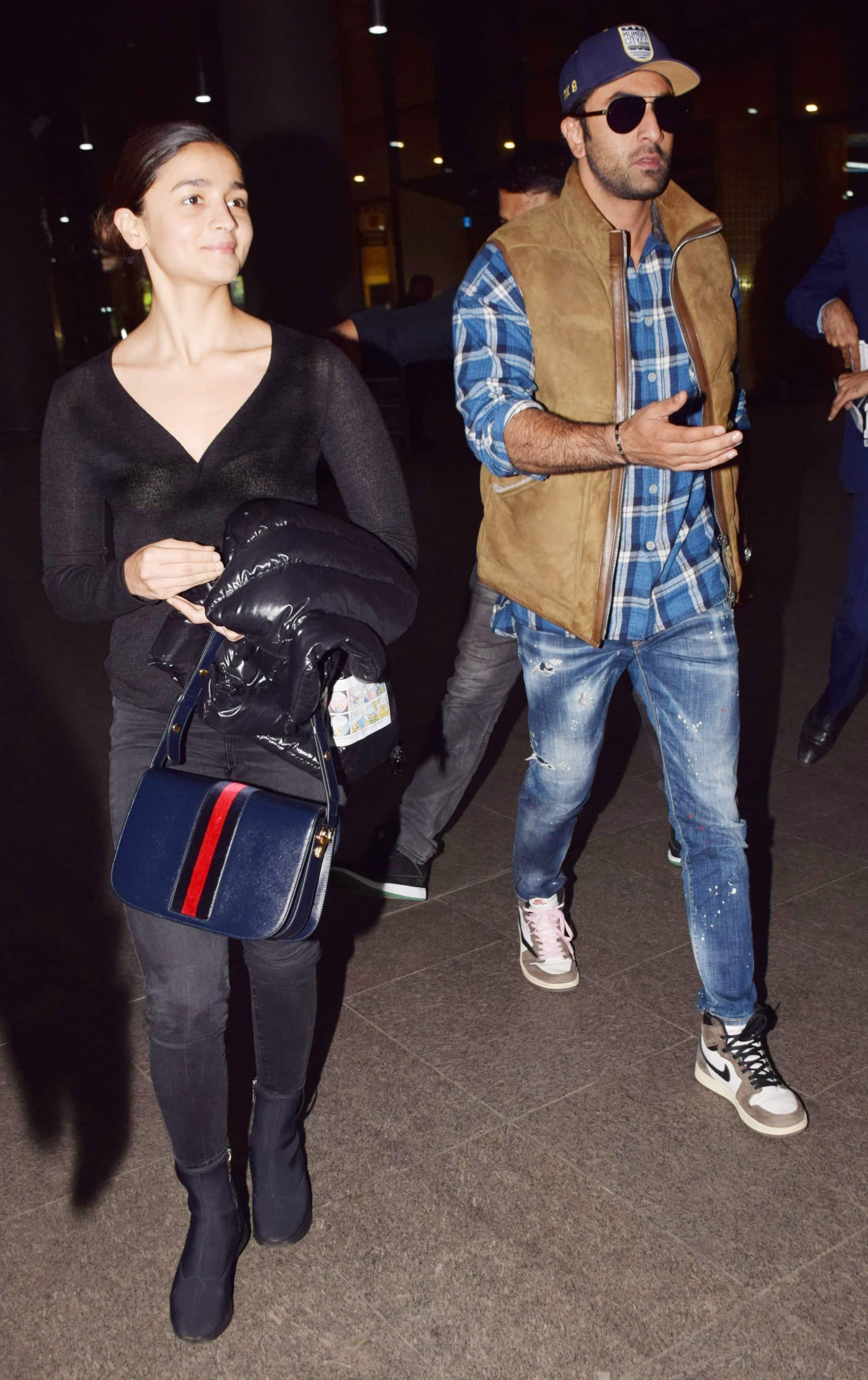 Ranbir Kapoor and Alia Bhatt pose together
