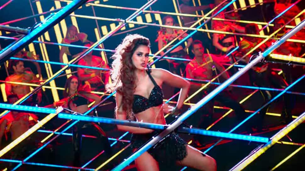 Disha Patani's sensuous dance moves in 'Hui Malang' song raises the temperature – Watch