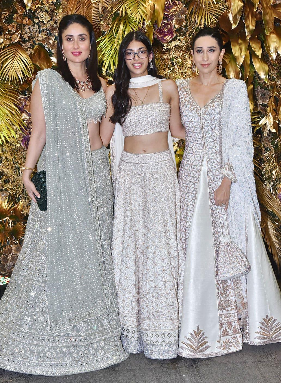 Karisma with daughter Samiera and sister Kareena Kapoor