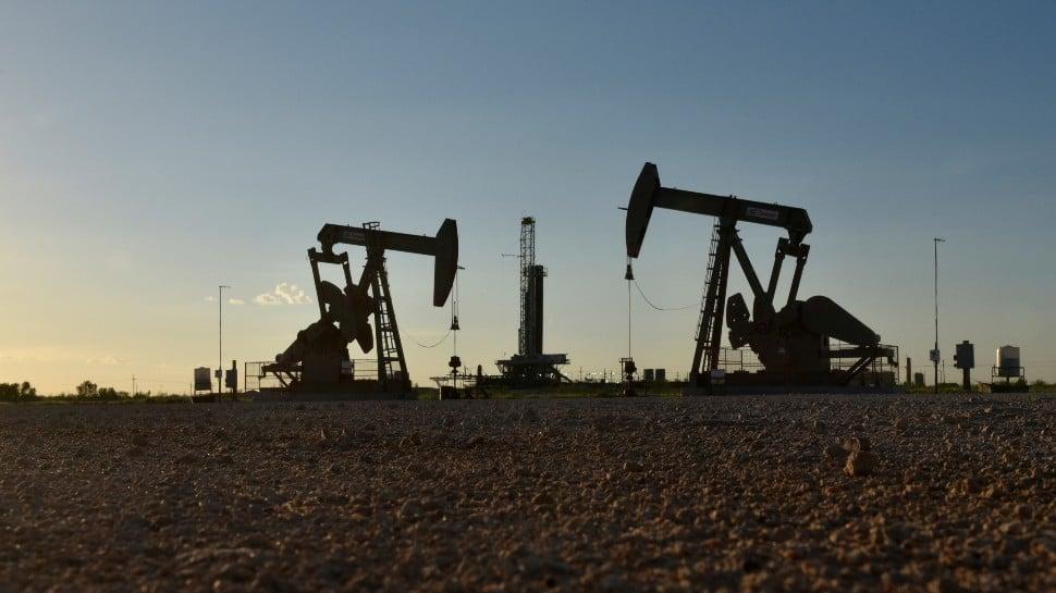 US warns energy companies like Reliance Industries over ties to Venezuela's Maduro