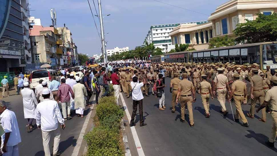Breaking news: Anti-CAA protesters defy Madras HC order, march to lay siege of Tamil Nadu assembly
