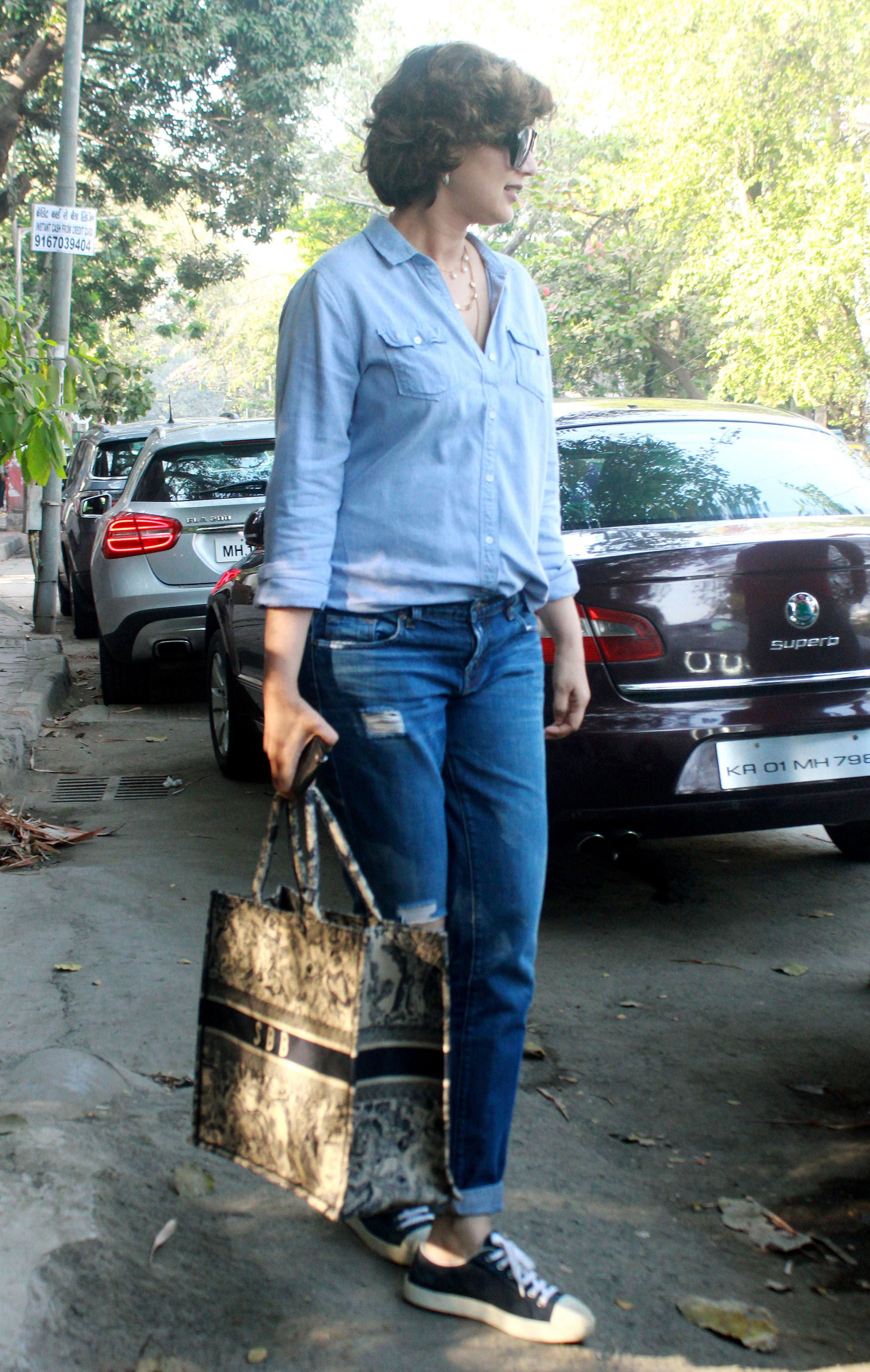 Sonali Bendre clicked by shutterbugs