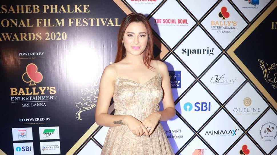 Bigg Boss 13's Mahira Sharma refuses to apologise on Dadasaheb Phalke Award controversy, says there was a glitch