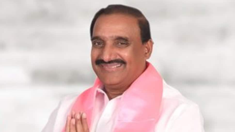 TRS MLA Arekapudi Gandhi says Pakistanis living in Hyderabad for long won't be sent back, BJP files police complaint