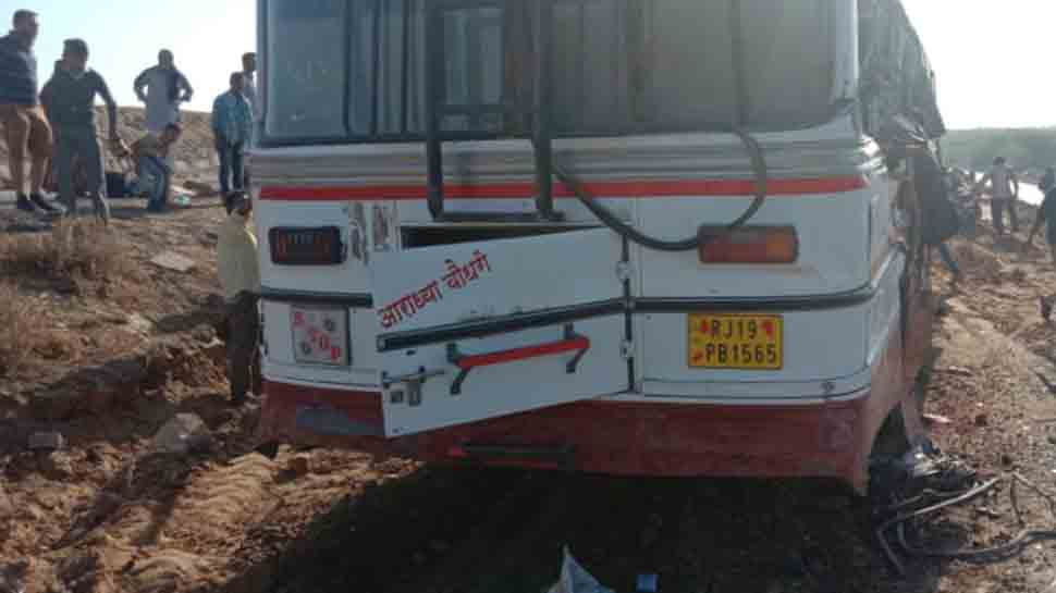 5 dead, 15 injured after bus collides with truck in Rajasthan's Ajmer