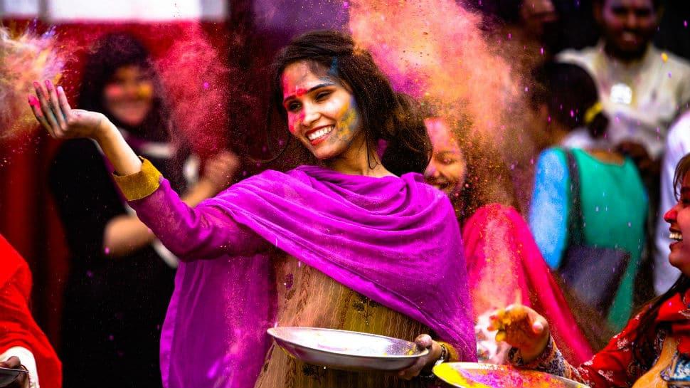Holi 2020: Let's make colours with turmeric, henna and chandan