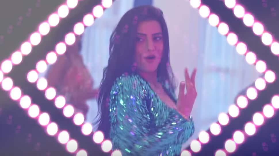 Bhojpuri bombshell Akshara Singh's new song 'Ek Lakh Ka Lehnga' creates a storm online - Watch