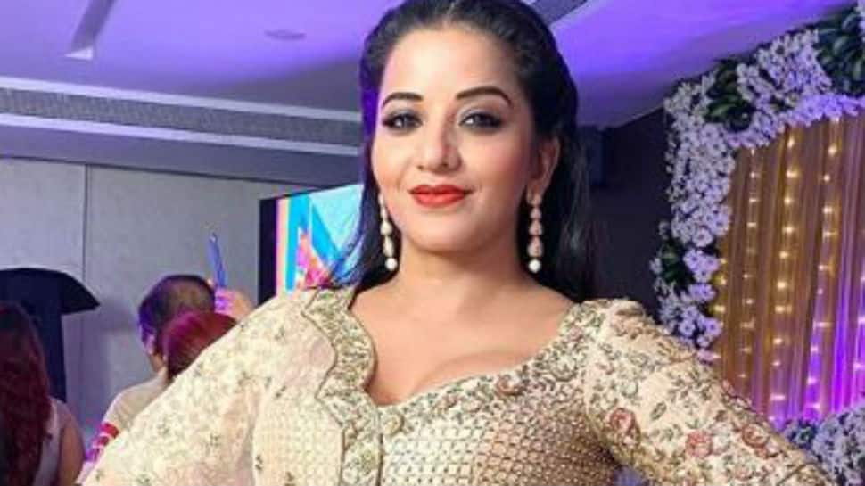 Bhojpuri bombshell Monalisa reminisces good old days with jaw-dropping pics