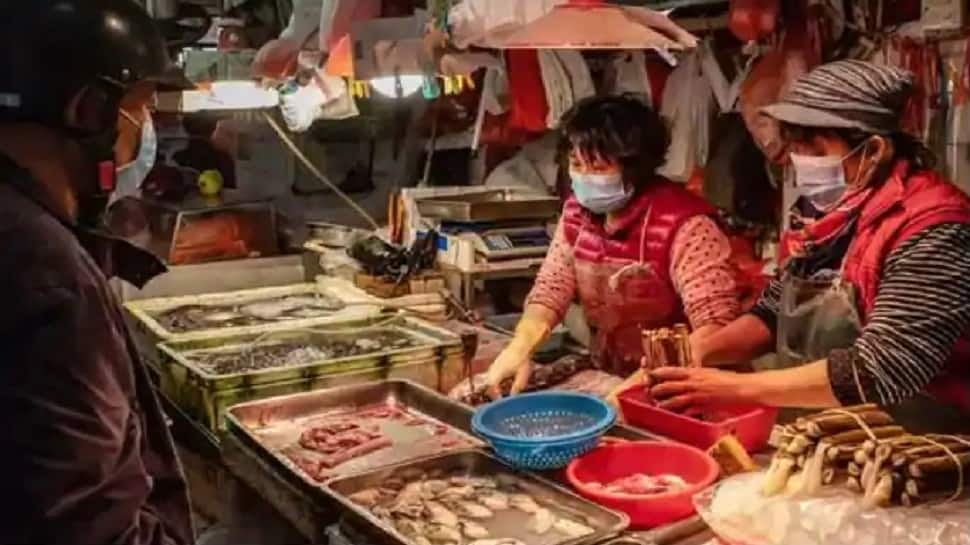 US lawmakers urge China to shut down 'wet markets' amid coronavirus COVID-19 crisis