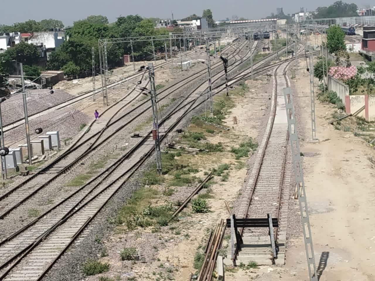 Railway tracks wear deserted look during lockdown in Lucknow