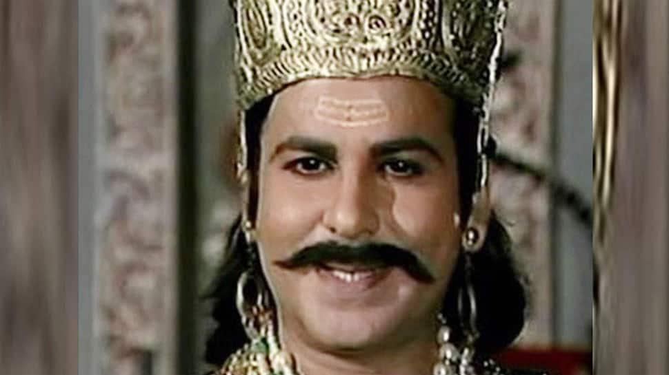 Trending: Ever noticed 'Ramayan's Meghnad aka Vijay Arora in Zeenat Aman's romantic song 'Chura Liya Hai' from 'Yaadon Ki Baaraat'?